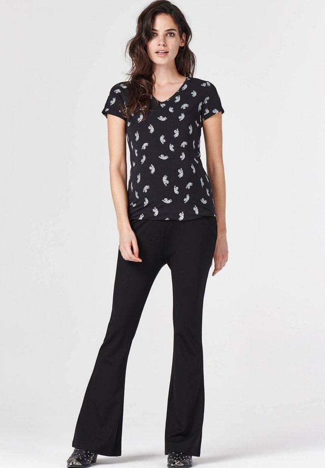 AOP TIGERS - T-shirt imprimé - black