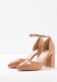 Glamorous Wide Fit - Zapatos altos - nude - 4
