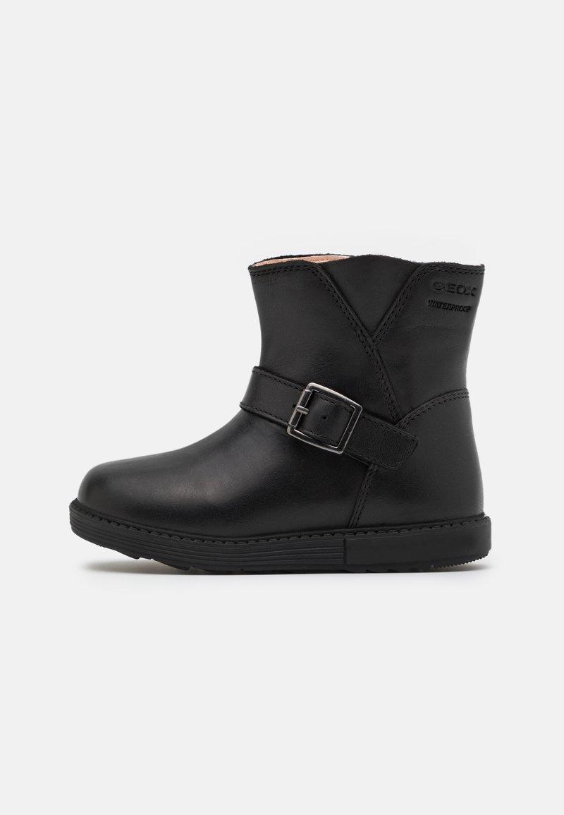 Geox - HYNDE GIRL WPF - Korte laarzen - black