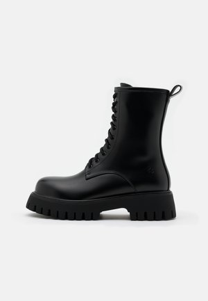 STEEL TOE CAP VEGAN MANIA - Platform ankle boots - black