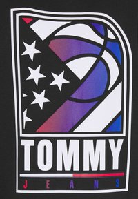 Tommy Jeans - BASKETBALL GRAPHIC  - Zip-up hoodie - black - 2