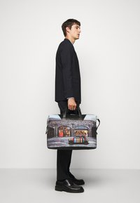 Paul Smith - MEN BAG HOLDALL MINI - Weekend bag - multi coloured - 0