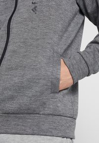 FIRST - HIGHNECK ZIP - Zip-up hoodie - medium grey melange - 5