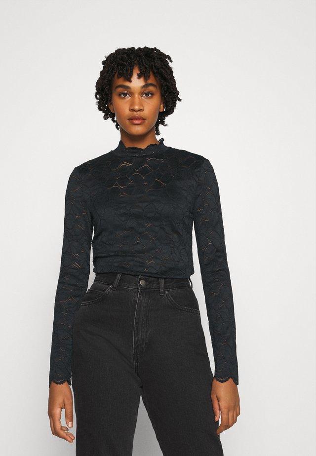 VMFLEUR - Blouse - black