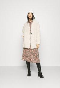 ONLY - ONLDINA COAT  - Zimní kabát - pumice stone - 1