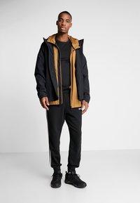 adidas Performance - URBAN RAIN.RDY - Regnjacka - black - 1