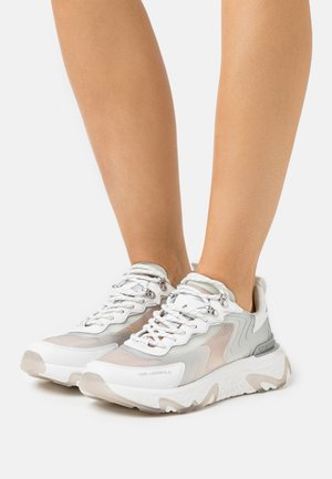 BLAZE PYRO LACE - Joggesko - white