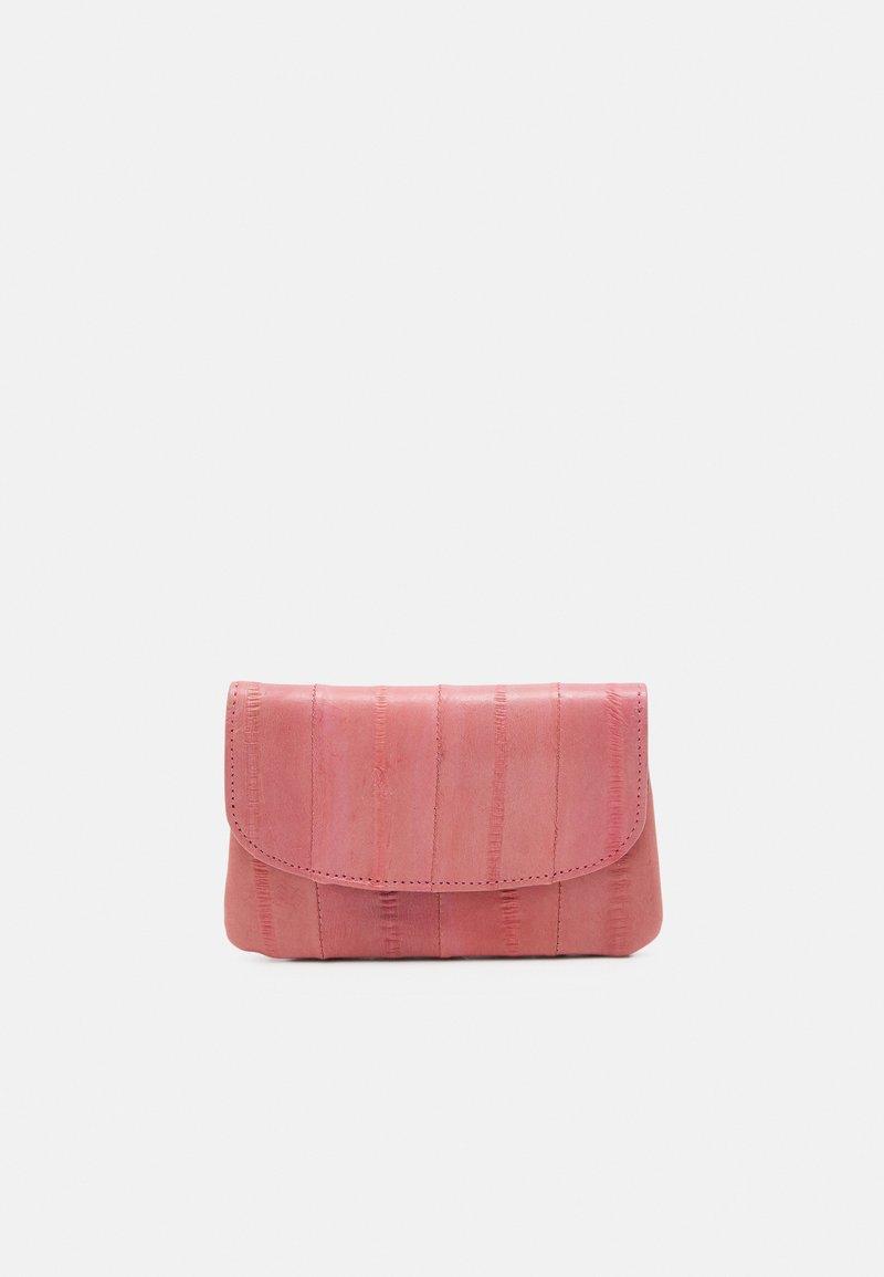 Becksöndergaard - HANDY - Wallet - candy floss