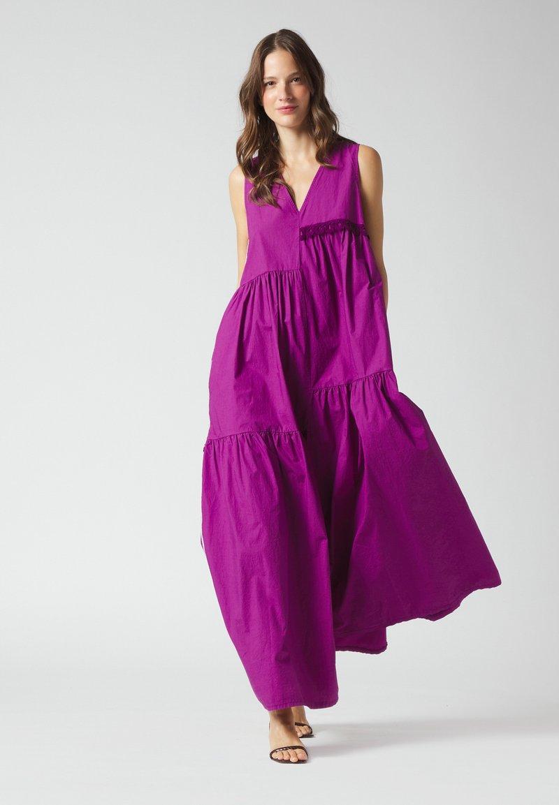 Manila Grace - Maxi dress - uva