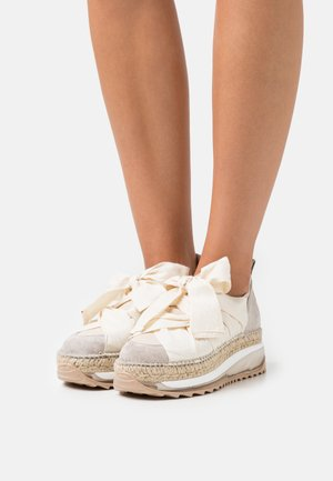 CHAPMIN  - Casual lace-ups - ivory