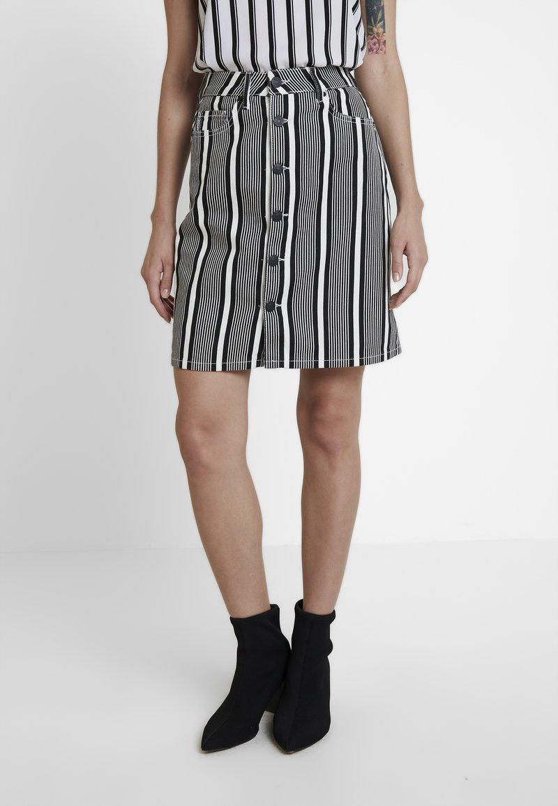 WHY7 - DANI SKIRT STRIPE - Denimová sukně - black/white