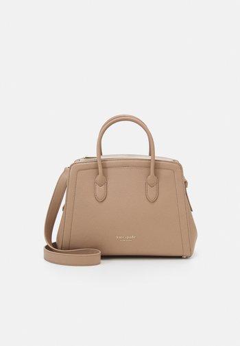 MEDIUM SATCHEL - Handbag - raw pecan