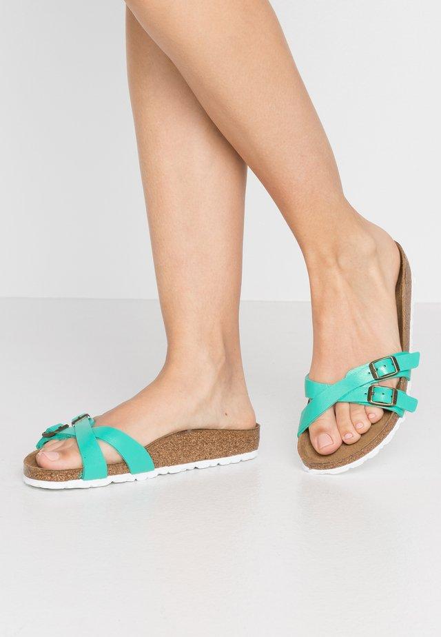 ALMERE - Pantoffels - graceful emerald