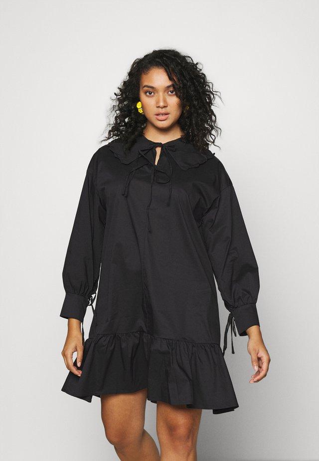 BABYDOLL MINI DRESS WITH SCALLOP COLLAR - Day dress - black