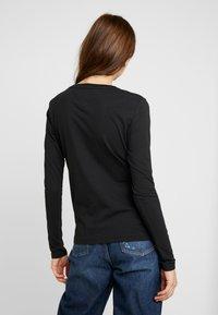 Tommy Jeans - SQUARE LOGO LONGSLEEVE - Long sleeved top - black - 2