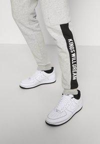 Kings Will Dream - CHAPMAN  - Cargo trousers - grey marl/black/white - 3