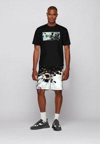 BOSS - SKEDIGITIZE - Shorts - patterned - 1