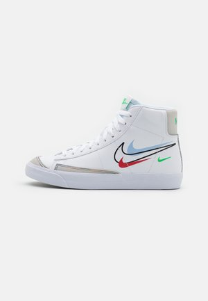 BLAZER MID '77 UNISEX - Sneakers - white/light green spark/aluminum/black/chile red/summit white