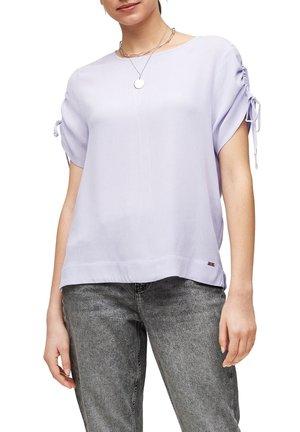MET KORTE MOUWEN EN KOORD - T-shirt imprimé - lilac