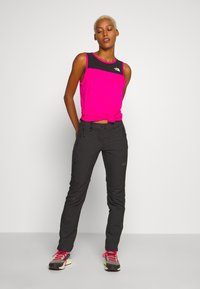 The North Face - WOMENS ACTIVE TRAIL TANK - Sports shirt - mr. pink - 1