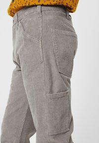 Levi's® - 502™ CARPENTER PANT - Kalhoty - steel grey - 5