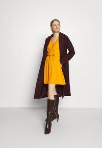 NAF NAF - LAFORTUNA - Day dress - moutarde - 1