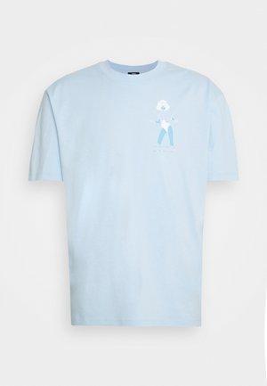 LAYING MODEL UNISEX - Print T-shirt - light blue