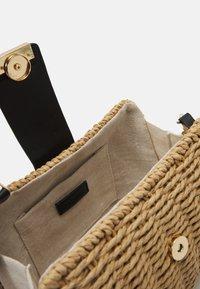 PARFOIS - CROSSBODY  BAG PEPPER M - Across body bag - beige - 2