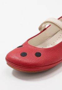Camper - RIGHT KIDS TWINS - Ballerina's met enkelbandjes - red - 2