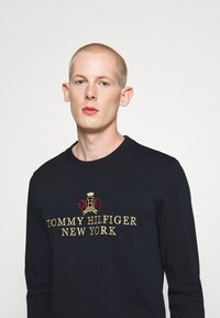 Tommy Hilfiger - SMALL CREST ICON TEE - T-shirt à manches longues - blue - 3