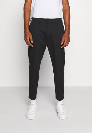 TAPER CROP - Chinos - black