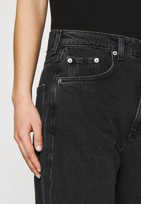 Weekday - FLOAT  - Relaxed fit jeans - washed black - 3