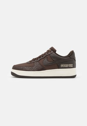 AIR FORCE 1 GTX UNISEX - Sneakersy niskie - baroque brown/seal brown/team gold/sail