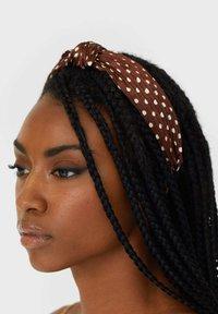 Stradivarius - Hair styling accessory - dark brown - 1