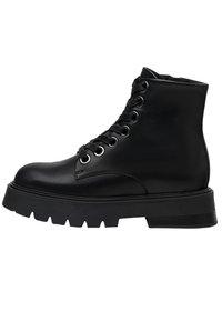 Bershka - PLATEAUSTIEFELETTEN AUS LEDER - Kotníková obuv - black - 4
