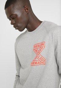 Raeburn - CREW - Sweater - grey - 3