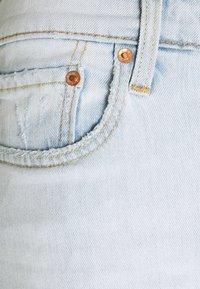 Levi's® - 412™ SLIM - Denim shorts - light blue denim - 6