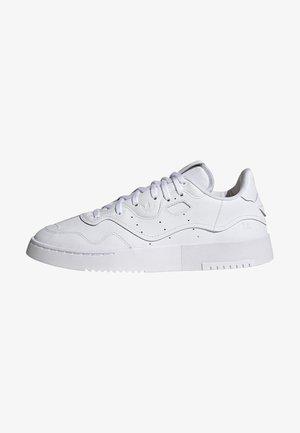 Sneakers - ftwwht/ftwwht/cblack