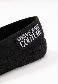 Versace Jeans Couture - LINEA FONDO - Espadrilky - nero - 2