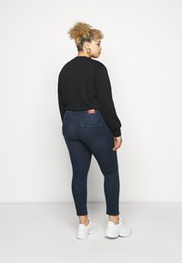 CAPSULE by Simply Be - SHAPE AND SCULPT - Jeans Skinny Fit - indigo - 2