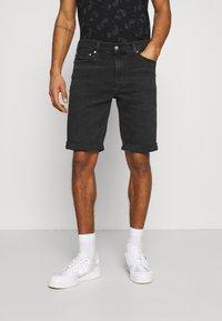 Calvin Klein Jeans - Denim shorts - denim black - 0