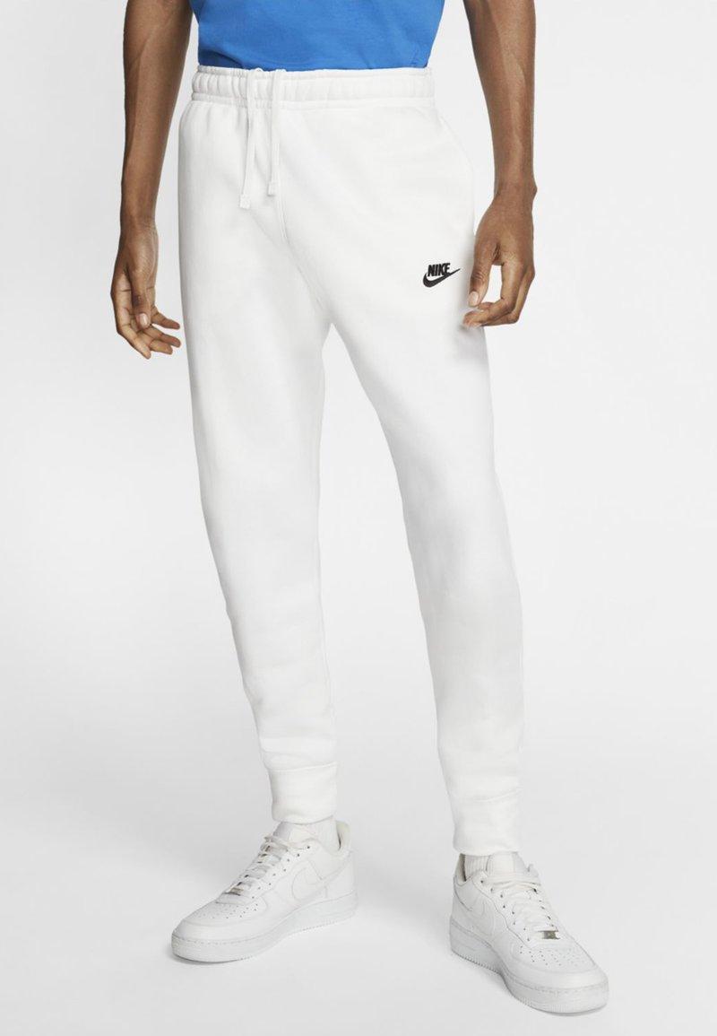 Nike Sportswear - CLUB - Tracksuit bottoms - white/white/black