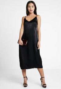 Even&Odd Petite - Denní šaty - black - 1