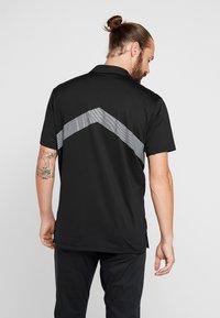 Nike Golf - DRY VAPOR REFLECT - Funktionströja - black/reflective silver - 2