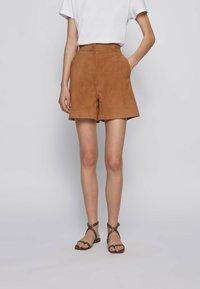BOSS - SIRIDA - Shorts - beige - 0