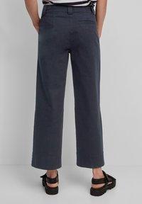 Marc O'Polo - Pantalon classique - midnight blue - 2