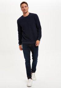 DeFacto - Sweatshirt - navy - 1