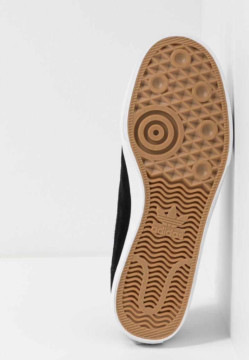 Eléctrico dirigir Irónico  adidas Originals MATCHCOURT SLIP - Trainers - core black/footwear  white/black - Zalando.co.uk