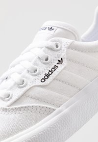 adidas Originals - 3MC - Matalavartiset tennarit - footwear white - 5