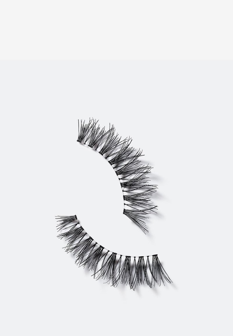 MAC - CRUELLA LASH - False eyelashes - -